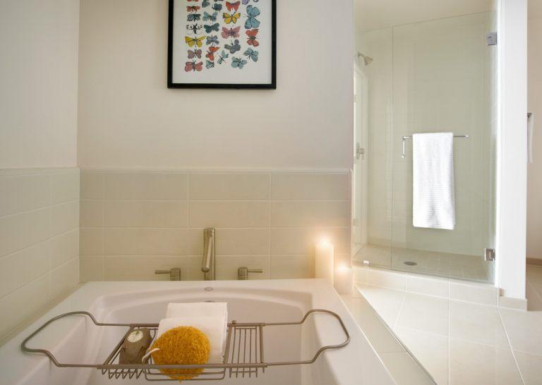 Avenue_Apartment_Bathroom1