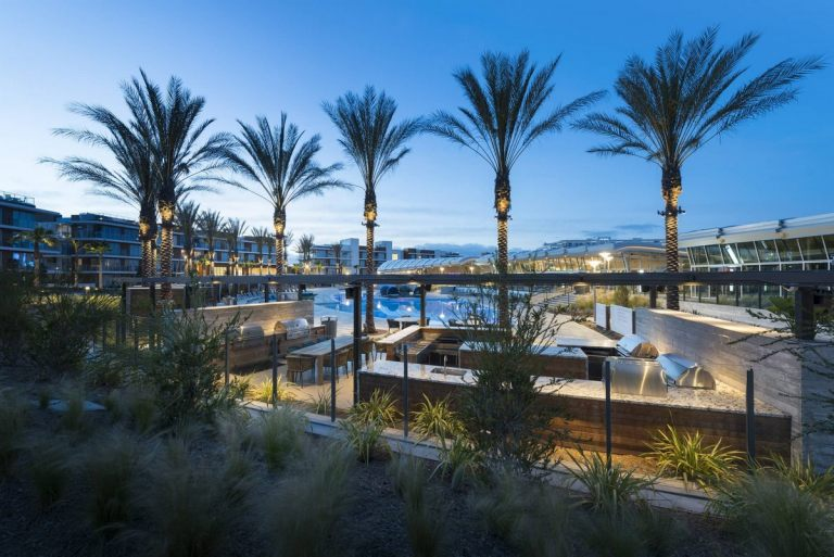 commnityriver_theresidencesatpacificcity_2018_grill1_el